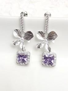 Boucles d'oreilles mariage sur clous en oxydes de zirconium et orchidées