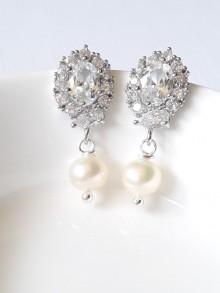 Clous d'oreilles mariées oxydes de zirconium et perles naturelles